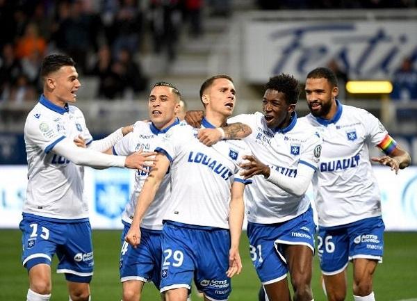 Auxerre vs Grenoble Foot